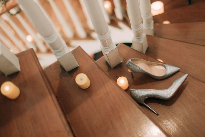 an-elegant-sundanese-ballroom-wedding-with-muted-shades-1