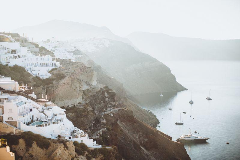 an-intimate-romantic-wedding-in-santorini-greece-1