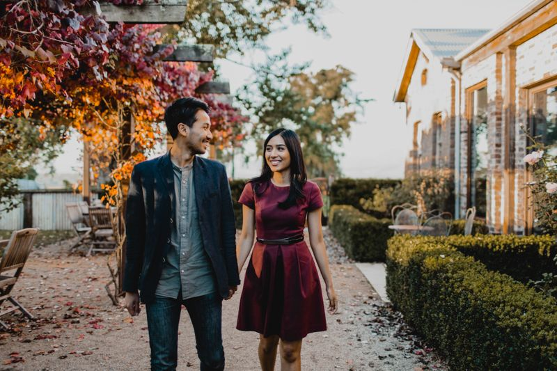 an-intimate-and-casual-engagement-shoot-in-yarra-valley-1