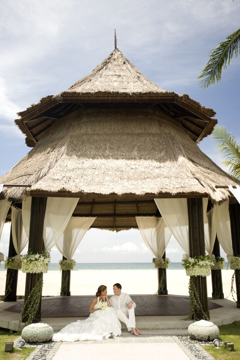 be-the-luckiestcouple-ever-and-pull-off-your-dream-wedding-at-shangri-la-1