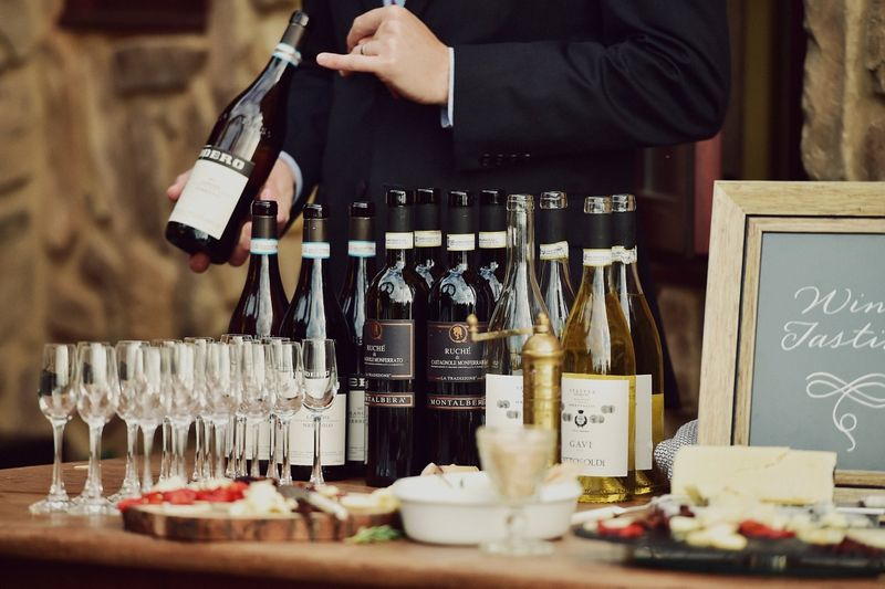 8-foolproof-food-and-wine-pairings-for-your-wedding-day-1