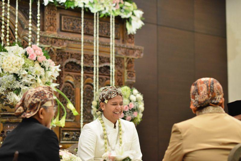 pernikahan-yang-meriah-dengan-adat-jawa-dan-mandailing-1
