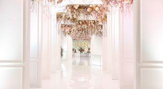 13_flower_installations_rq8uct.jpg