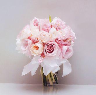 2_Romantic_-_Orchid_Florist_2_w0ouab.jpg