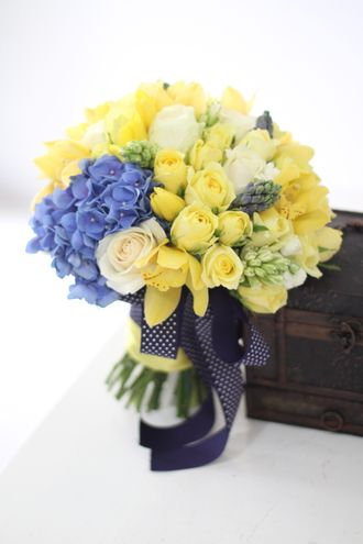 3_Bold_-_Blomstre_Flowers_and_Gifts_gnfall.jpg