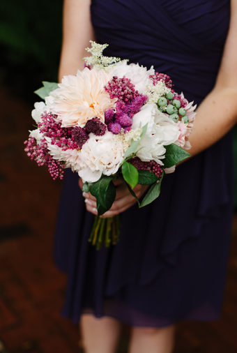 Pacific-Northwest Wedding With Shades Of Burgundy And Purple - 004
