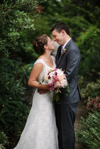 Pacific-Northwest Wedding With Shades Of Burgundy And Purple - 016