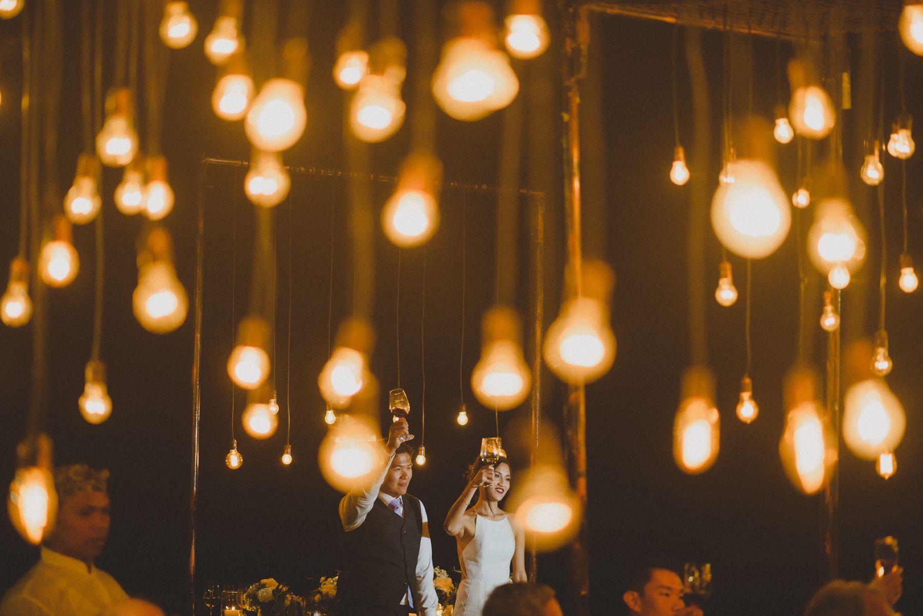Checklist Foto Pernikahan: Momen Bersama Pasangan Image 11