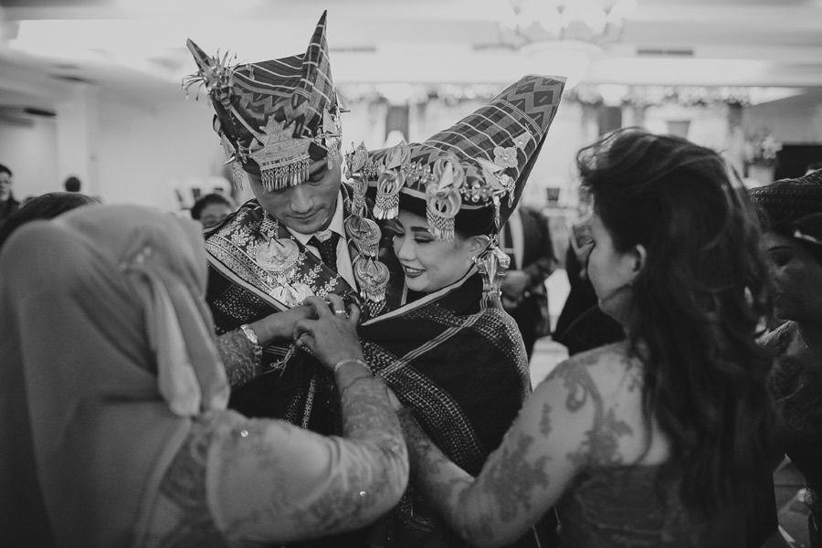 Checklist Foto Pernikahan: Momen Bersama Pasangan Image 21