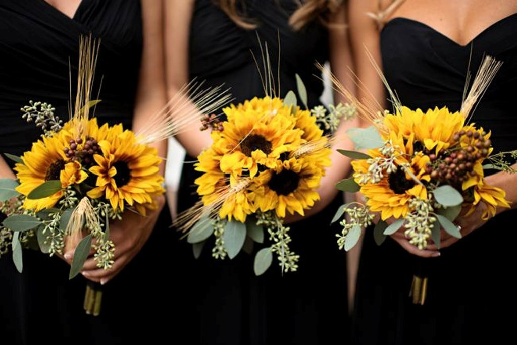 10 Beautiful Flowers to Adorn Your Summer Wedding Image 1